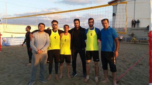 چهار تیم به مرحله نیمه نهایی والیبال ساحلی کارگران صعود کردند