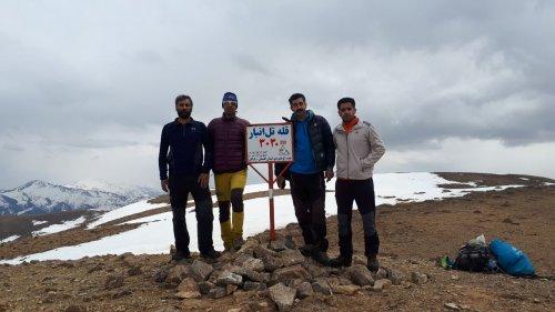 صعود کوهنوردان کارگر گلستان به قله تل انبار