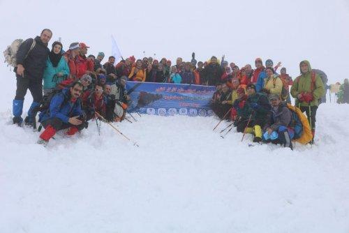 صعود کوهنوردان کارگر گلستانی به قله سه سو